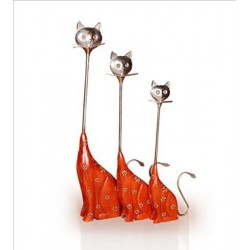 Wooden Family Cat Iron Neck Set of 3 Showpiece
